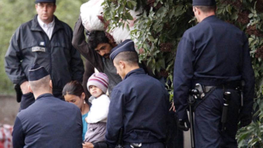 Rumanos expulsados de Francia