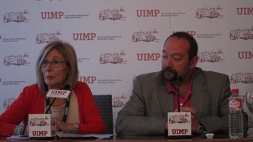 Presidenta Del FECMA, María Antonia Gimón, Y El Médico José Manuel López Vega