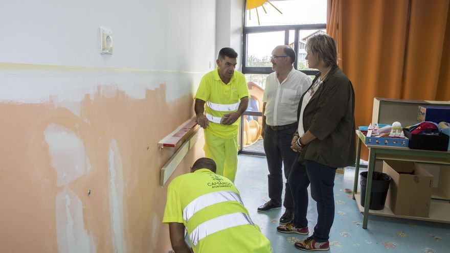 El Ayuntamiento efectúa tareas de mantenimiento en colegios del municipio