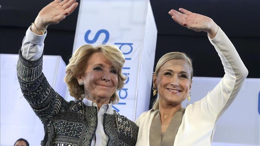 Esperanza Aguirre y Cristina Cifuentes, antes de las elecciones de mayo de 2015.