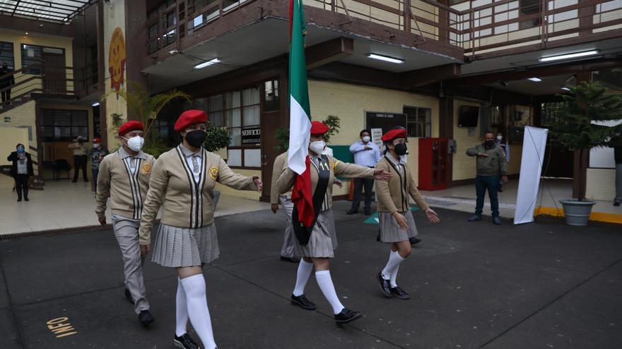 Comienza el regreso presencial a clases en México tras más de un año cerradas