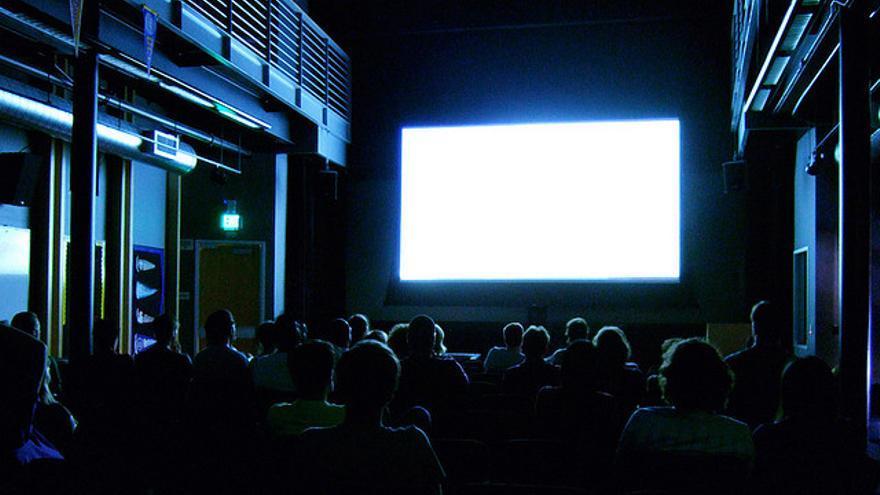 En España se han celebrado casi 5.000 sesiones de cine accesible en lo que va de 2014 en una treintena de salas (Foto: Kenneth Lu)