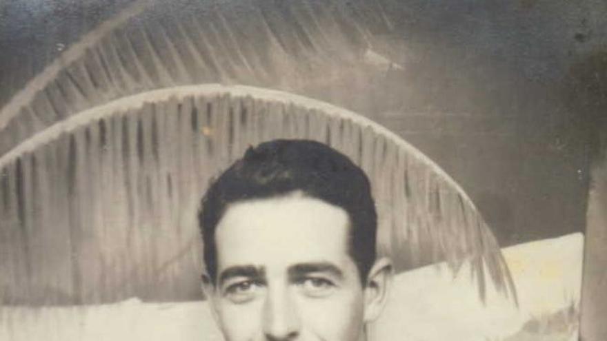 Por su servicio en Filipinas John Aldax recibió la Cinta de Liberación de Filipinas con dos estrellas (cortesía de la familia Aldax).