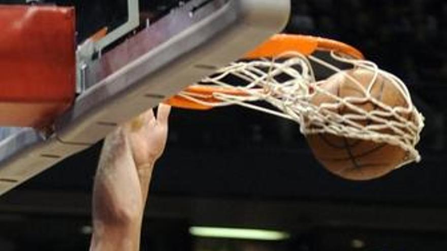Los Lakers arrasan Golden State de la mano de Pau Gasol