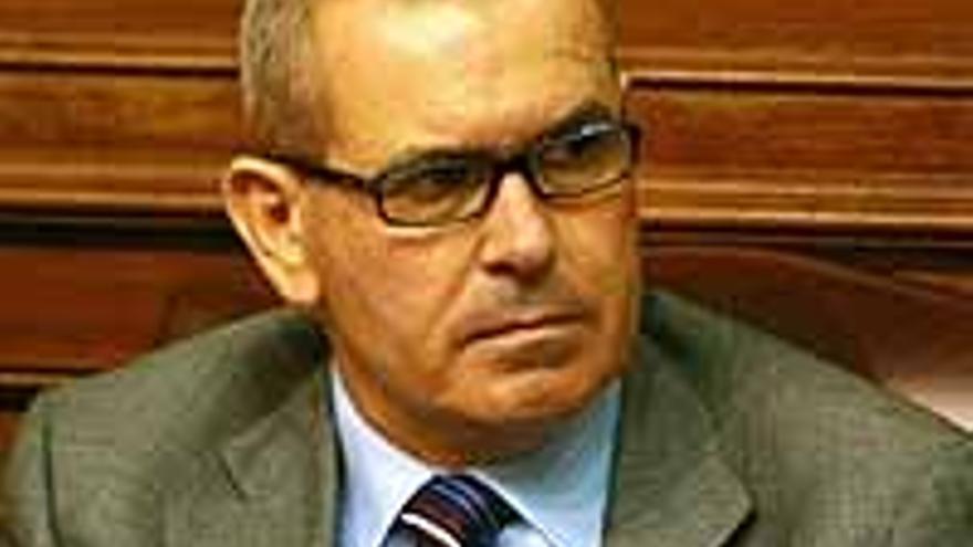 Esteban Bethencourt, afectado y acusado.