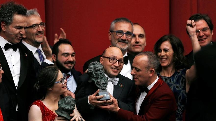 El equipo de 'Campeones' celebra sus tres estatuillas en los Goya 2019