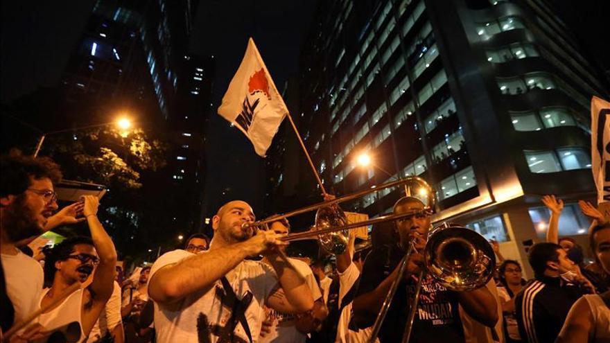 """Rousseff afirma que """"la voz de la calle tiene que ser escuchada"""""""