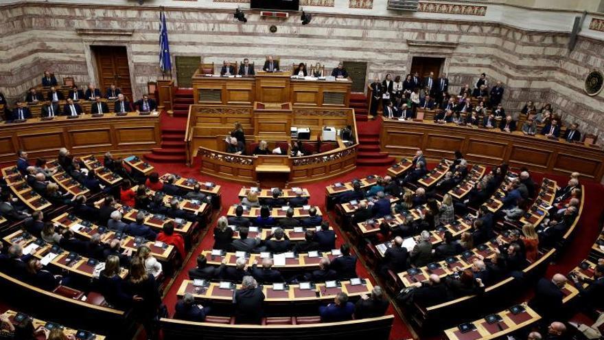 El Parlamento heleno aprobó hoy por una amplia mayoría la candidatura como jefa del Estado de la jueza Ekaterini Sakelaropulu.
