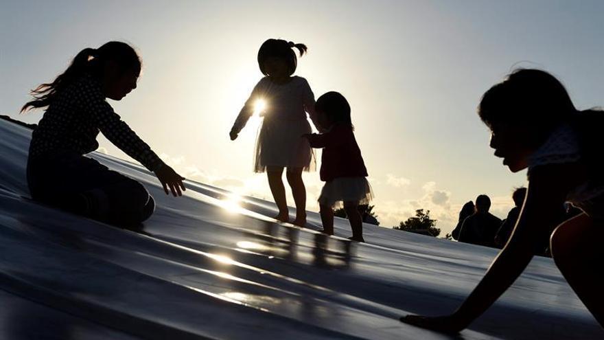 Imagen de archivo de unas niñas jugando
