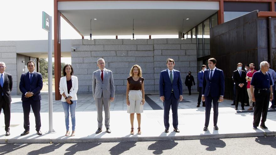 La ministra de Transportes inaugura en Sanabria la estación de AVE