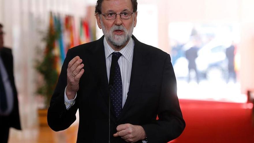 """Rajoy abierto a una reforma de la Constitución sólo con consenso y con una """"idea clara"""""""
