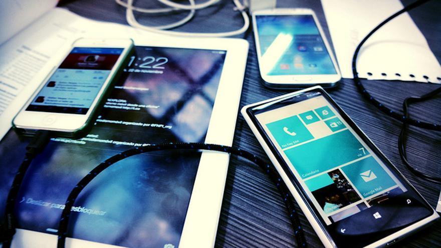 Varios dispositivos electrónicos