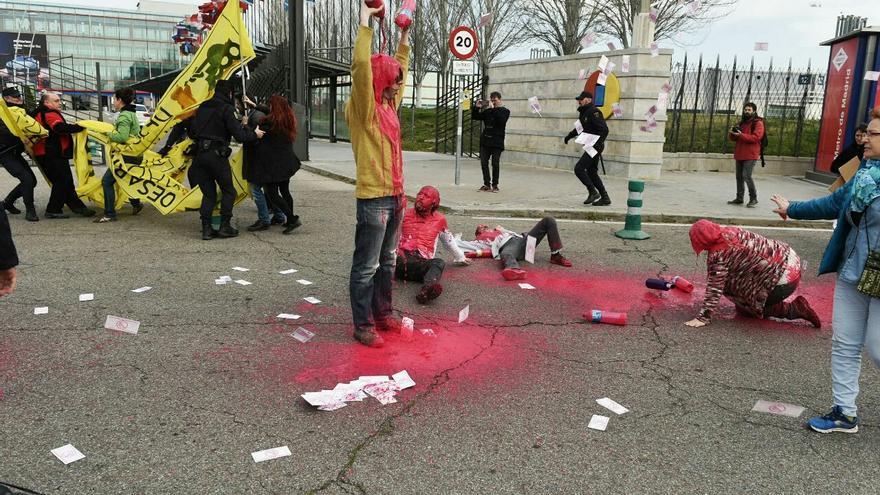 Protesta contra la Feria de Tecnología Armamentísica de Madrid