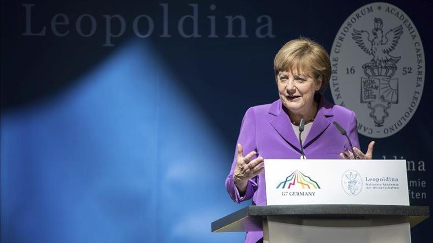 Merkel conmemorará en Moscú el aniversario del fin de la II Guerra Mundial