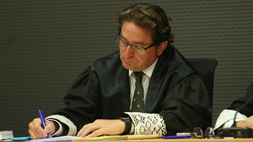 El juez Salvador Alba en el juicio a un policía de la Policía Local de Pájara