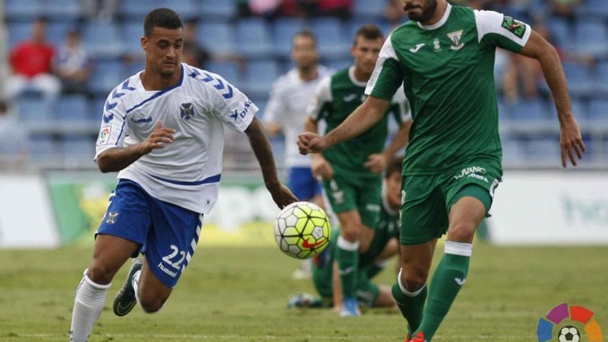 El delantero del CD Tenerife Alexander Mesa 'Nano'. (LALIGA).