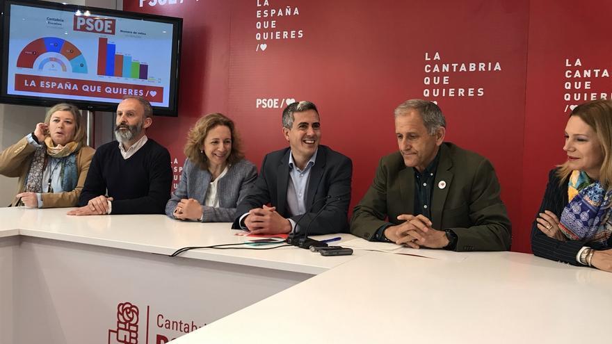 """Zuloaga llama a mantener la movilización del """"voto progresista"""" ante el """"riesgo"""" de un pacto PP-Vox en Cantabria"""