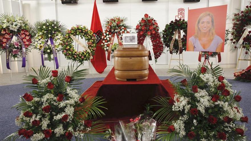 El dolor por la muerte de Chacón une a la familia socialista