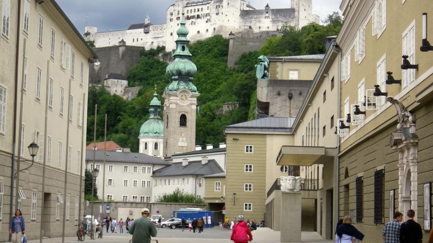 En Salzburgo, con el castillo de fondo.