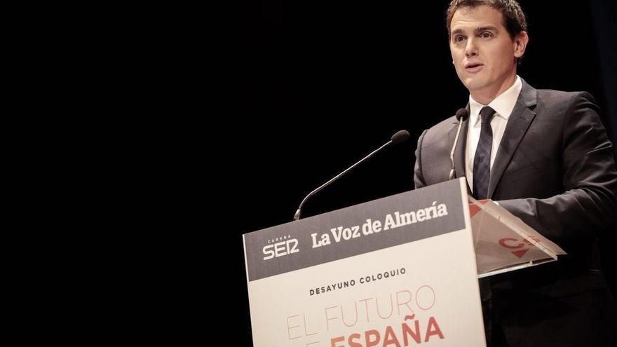 """Rivera critica que Tardà plantee ahora """"fastidiar las Navidades"""" a los catalanes pidiendo que no se enciendan las luces"""