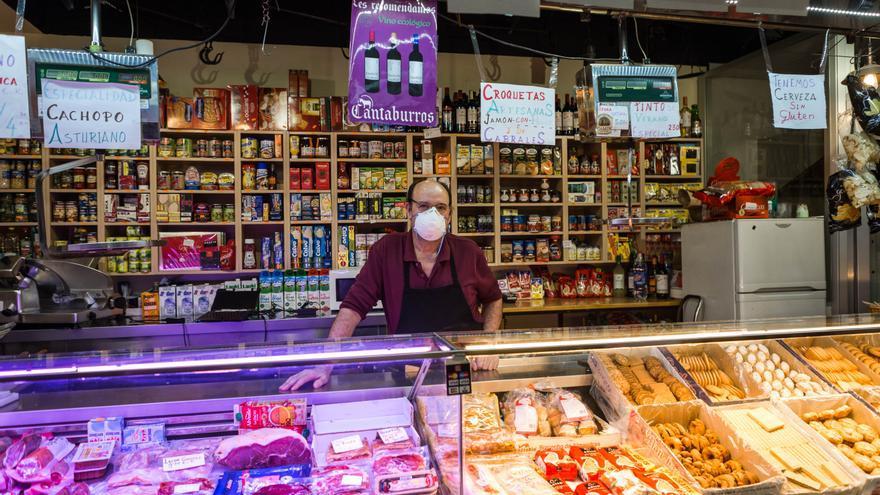 Felipe, presidente de la directiva de la Asociación de Comercio de San Fernando y dueño de un colmado en el mercado de San Fernando.