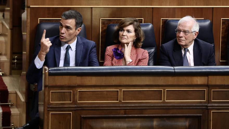 Pedro Sánchez, Carmen Calvo y Josep Borrell, durante el segundo intento de investidura, Foto: Marta Jara