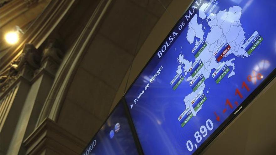 La prima de riesgo española baja a 112 puntos, tras caer el bono al 1,792 %