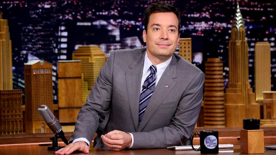 Las grandes estrellas de la TV USA paran por el coronavirus: congelados los shows de Fallon, Meyers y Colbert