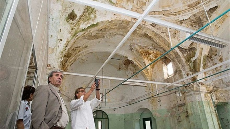 Visita del Gobierno de Cantabria a la instalaciones de la Tabacalera en 2016