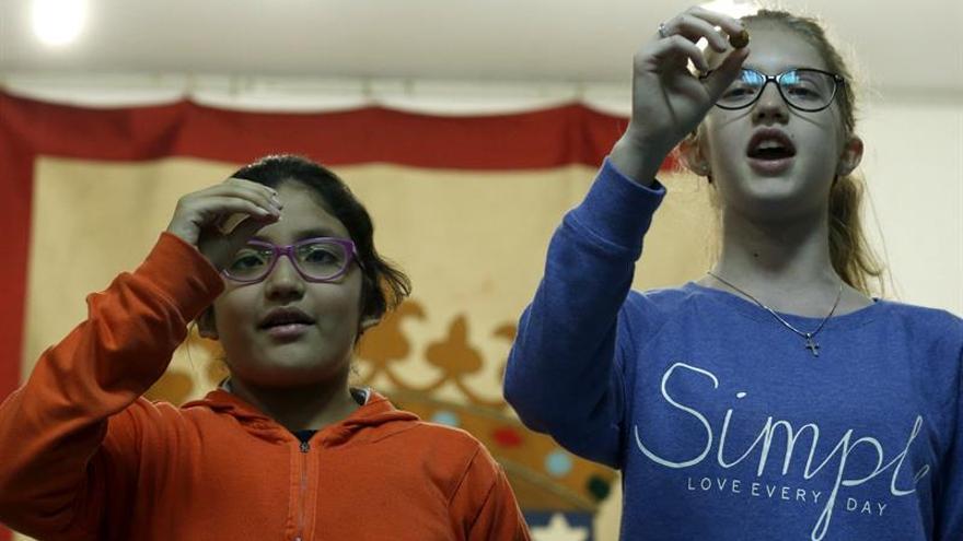 """Los niños de San Ildefonso ensayan """"con ganas y fuerza"""""""