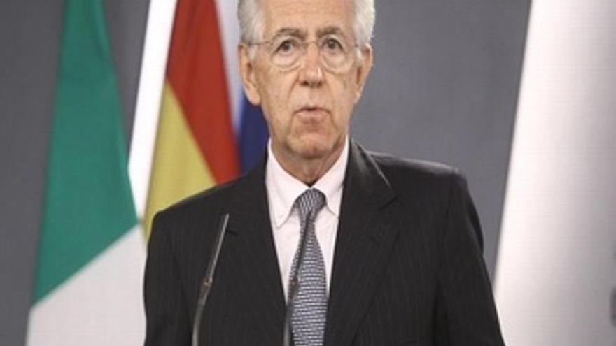 Monti planea una bajada de impuestos
