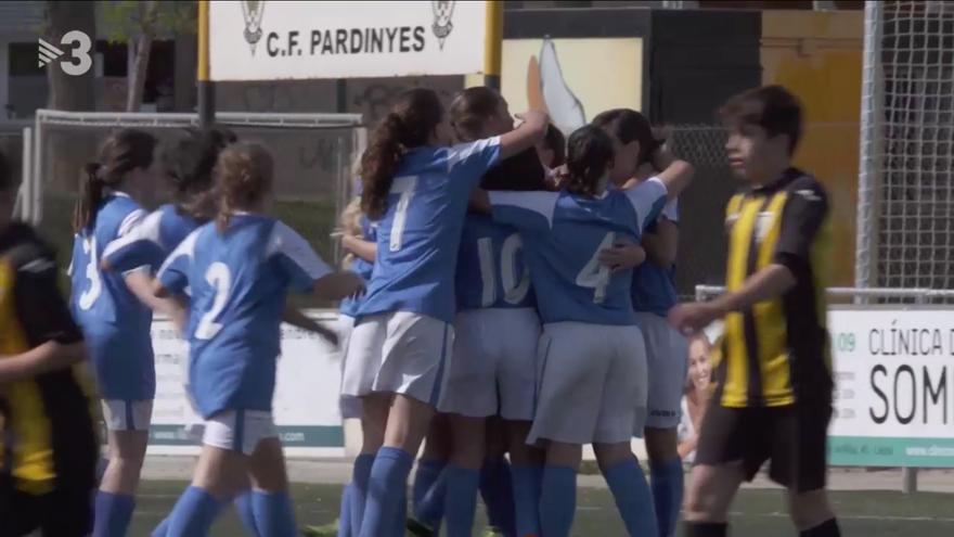 El equipo AEM Lleida celebra un gol en el partido que les dio la victoria