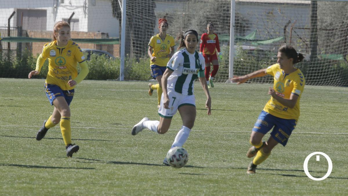 Lance entre el Córdoba Femenino y el Femarguín.
