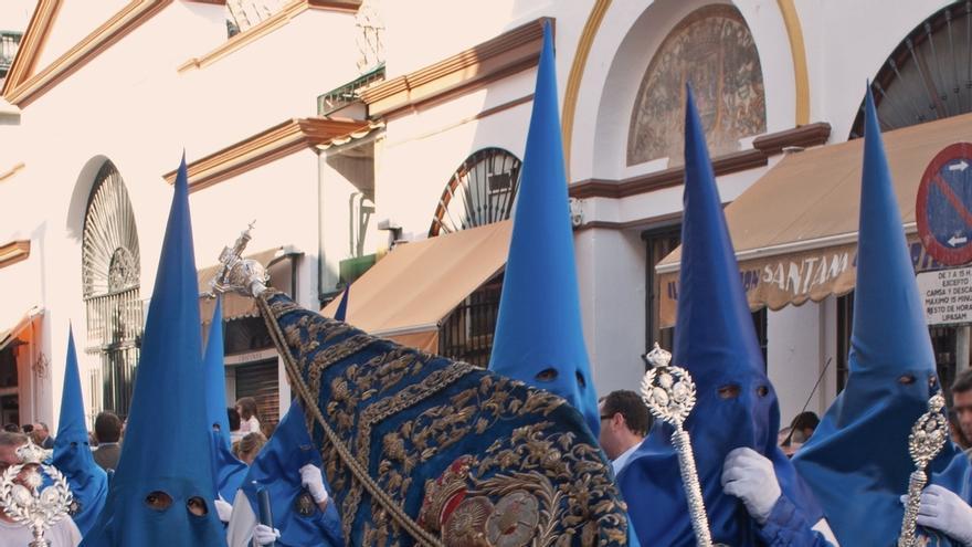 El Colegio de Podólogos de Andalucía aconseja preparar los pies ante el esfuerzo de Semana Santa para evitar lesiones