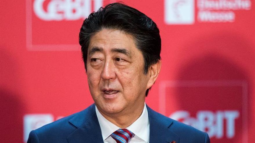 El escándalo de favores a una guardería ultranacionalista merma el apoyo al Gabinete de Abe