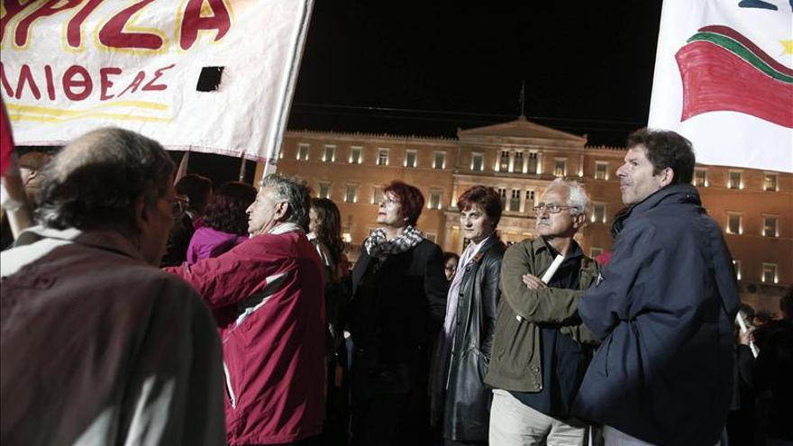 El Gobierno de Samarás derrota la moción de censura de la izquierda griega
