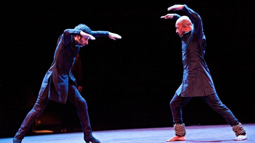 Los coreógrafos Israel Galván y Akhram Khan presentan este viernes 'Torobaka' en el Teatro Central