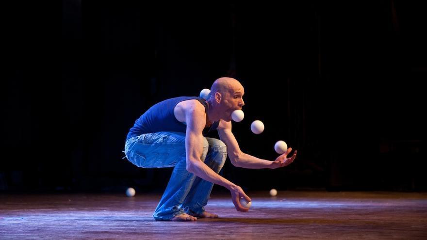 'En la cuerda floja' trae en su sexta edición una decena de talleres y espectáculos circenses y grandes figuras
