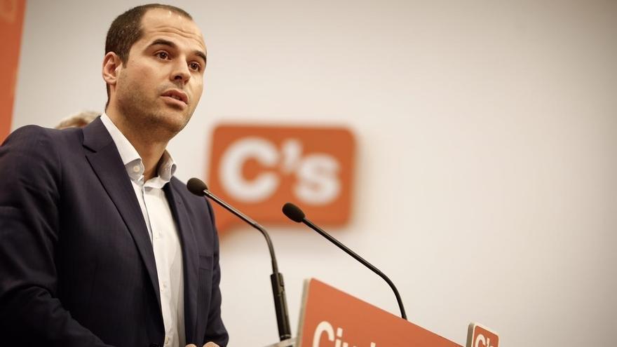 """Aguado (Cs) dice que los mensajes entre Catalá y González evidencian """"la relación estrecha"""" entre políticos y jueces"""