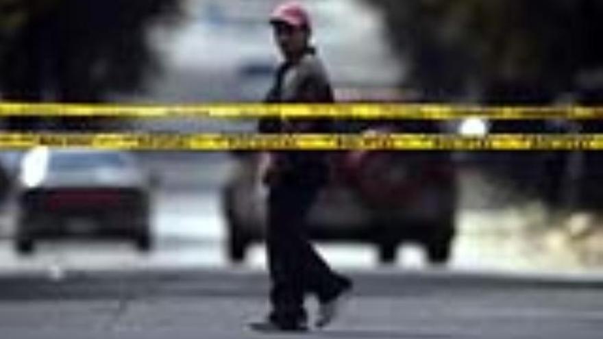 Se entrega un joven sospechoso del tiroteo en una escuela de Filadelfia, EEUU