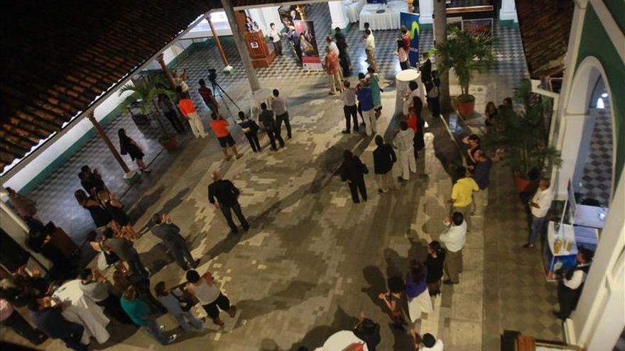 EFE inaugura exposición por su 75 aniversario en ciudad colonial de Nicaragua