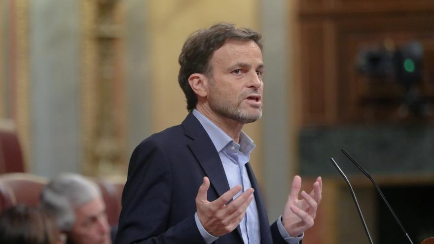 """Unidas Podemos responde a González y Aznar que sus """"presiones"""" no cambiarán el """"rumbo"""" del Gobierno ni les excluirán"""