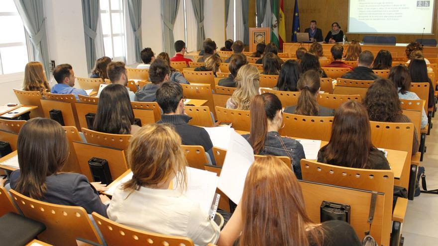 Resultado de imagen de becas estudiantiles canarias