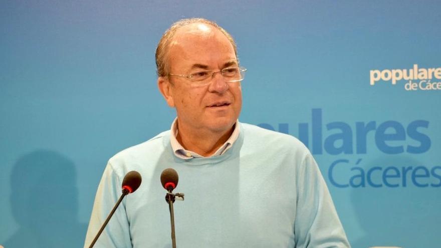 Monago afirma que Vara ya ha comenzado su campaña electoral con los contratos temporales en ayuntamientos