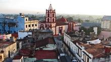 Perfiles hispanos en el casco histórico de Camagüey, la tercera ciudad de Cuba. Marika Bortolami