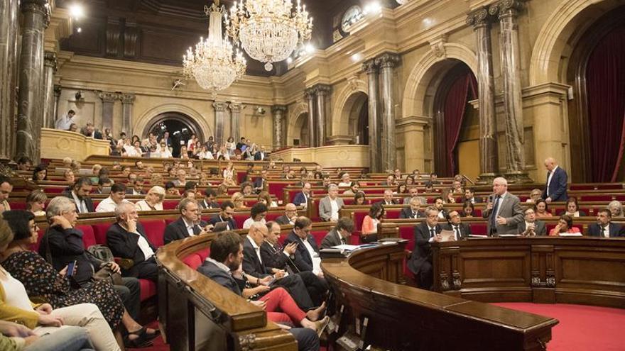 JxSí y la CUP piden aplazar el pleno del Parlament de la semana próxima