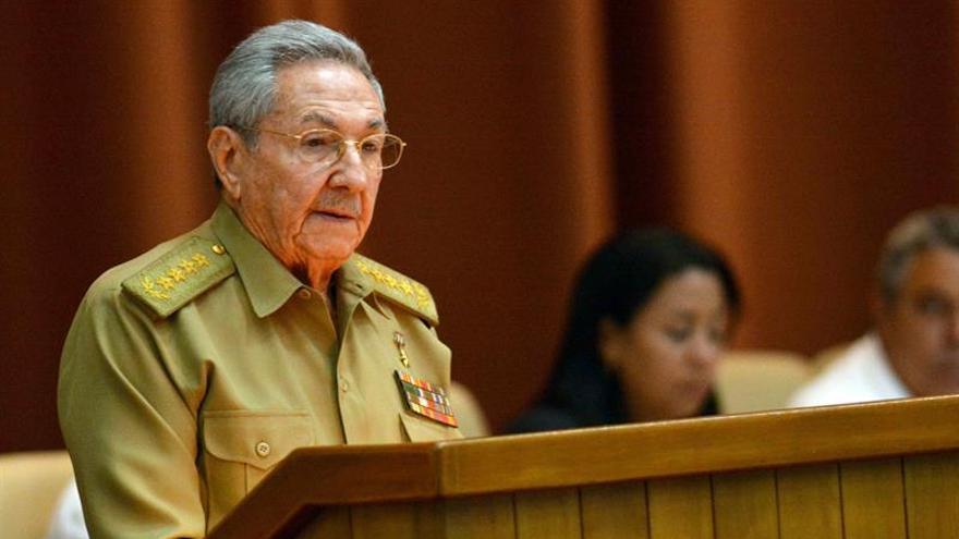 Láncara pretende nombrar Hijo Adoptivo a Raúl Castro