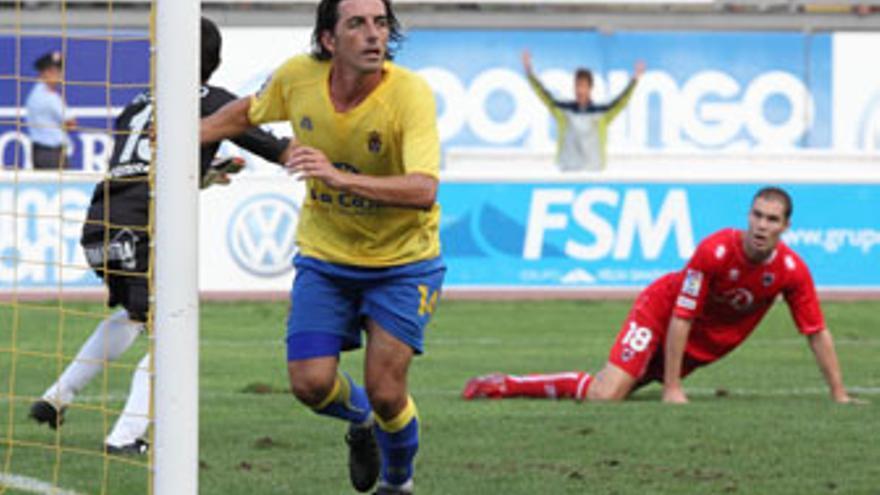 Javi Guerrero, tras el gol marcado al Numancia. (QUIQUE CURBELO)
