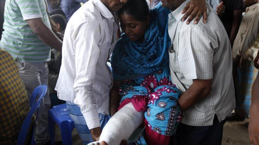 Suben a 922 los muertos en el derrumbe del complejo textil de Bangladesh