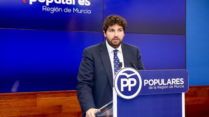 Fernando López Miras, presidente de la Región de Murcia, en rueda de prensa para valorar la fecha elegida para las elecciones generales